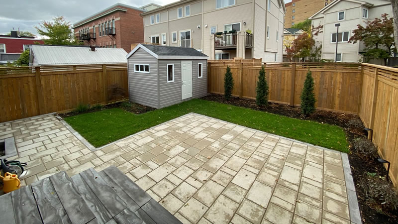 Hiring The Right Landscaping Contractor